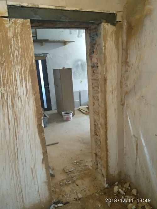 Резка дверного проема в квартире
